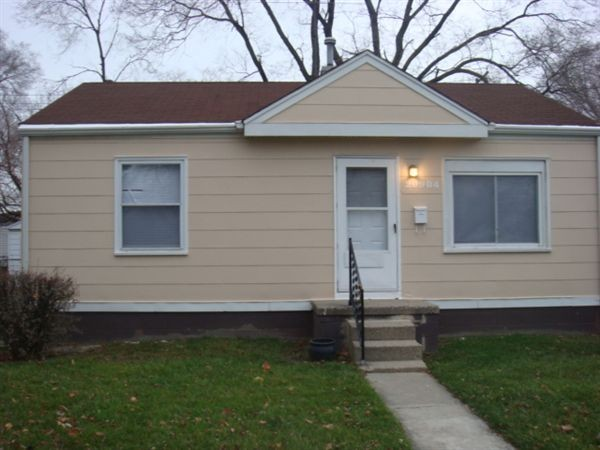 21422 Waltham Rd Warren Mi 48089 2 Bedroom Apartment For Rent Padmapper