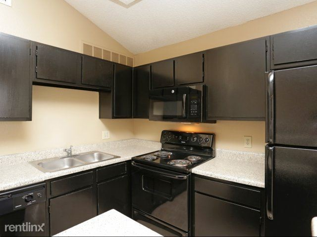 2108 Calais Way 146x Arlington Tx 76006 2 Bedroom Apartment For Rent For 930 Month Zumper