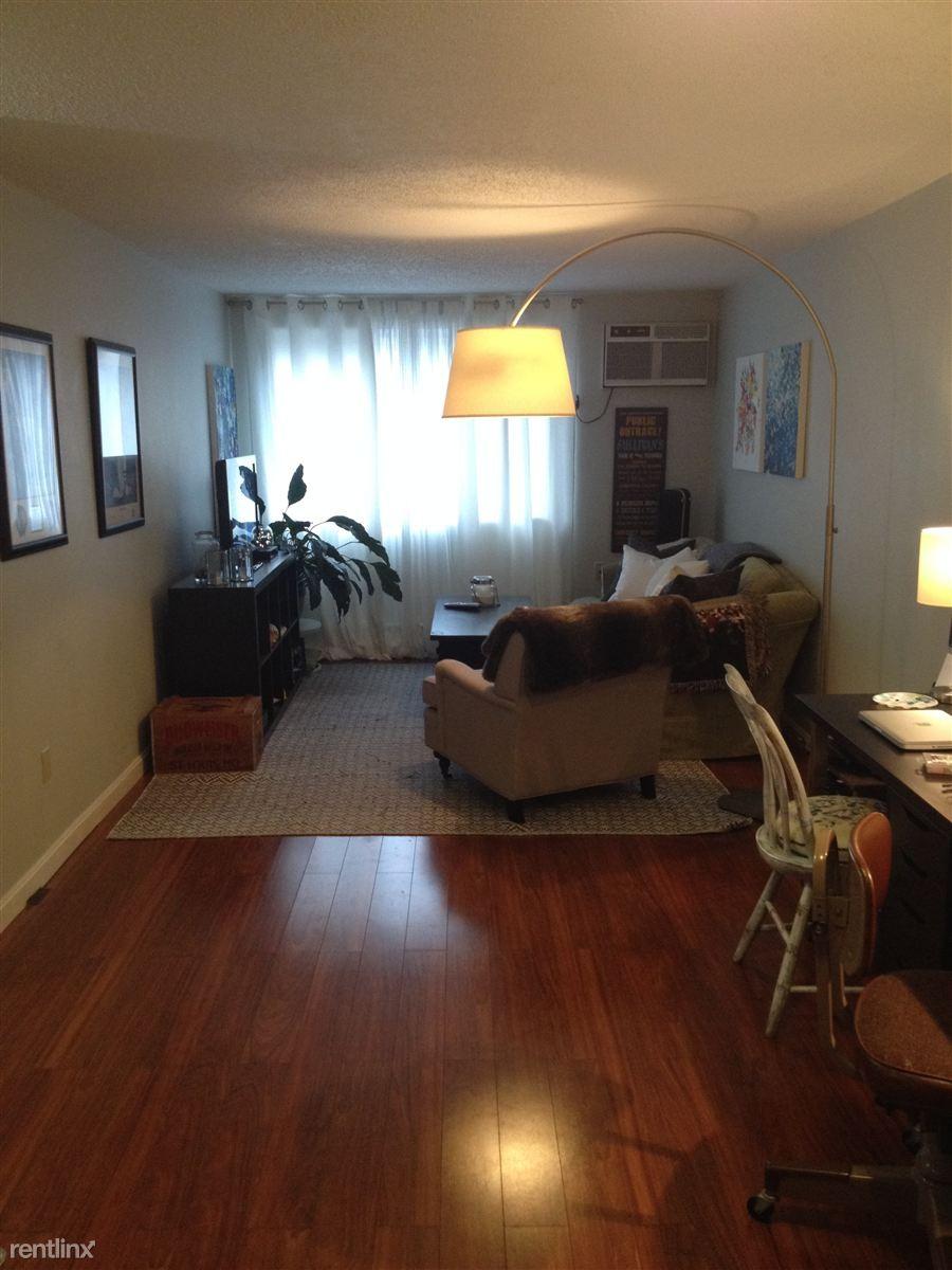 14 Murdock St 1 3 Somerville Ma 02145 1 Bedroom Apartment For Rent Padmapper