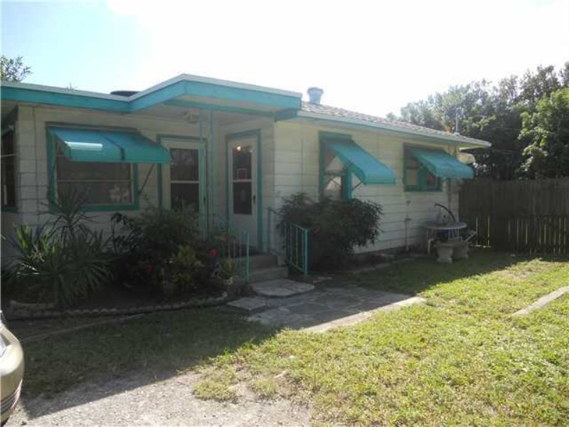 1130 46th St West Palm Beach Fl 33407 3 Bedroom House For Rent For 1 300 Month Zumper