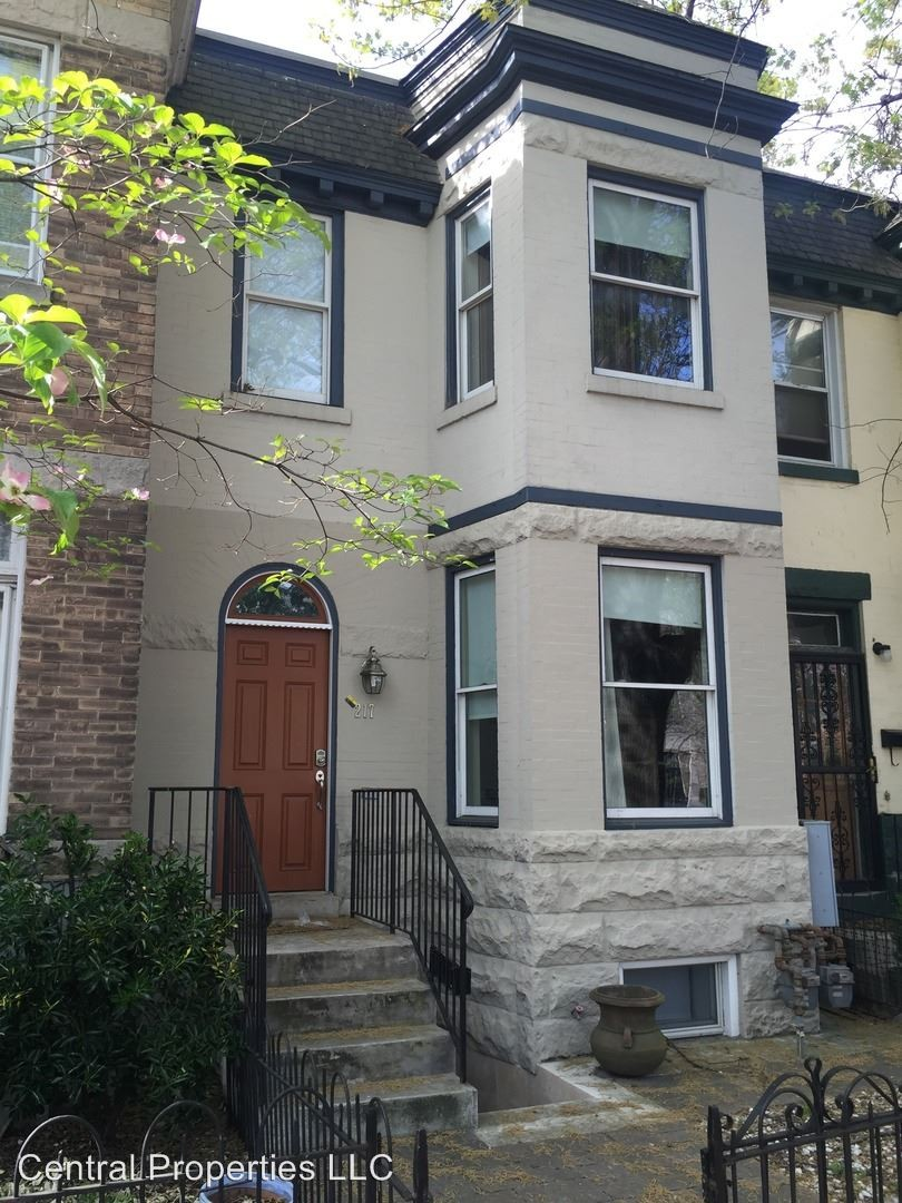 217 F St NE Washington DC 20002 2 Bedroom House For Rent For 3 500 Month