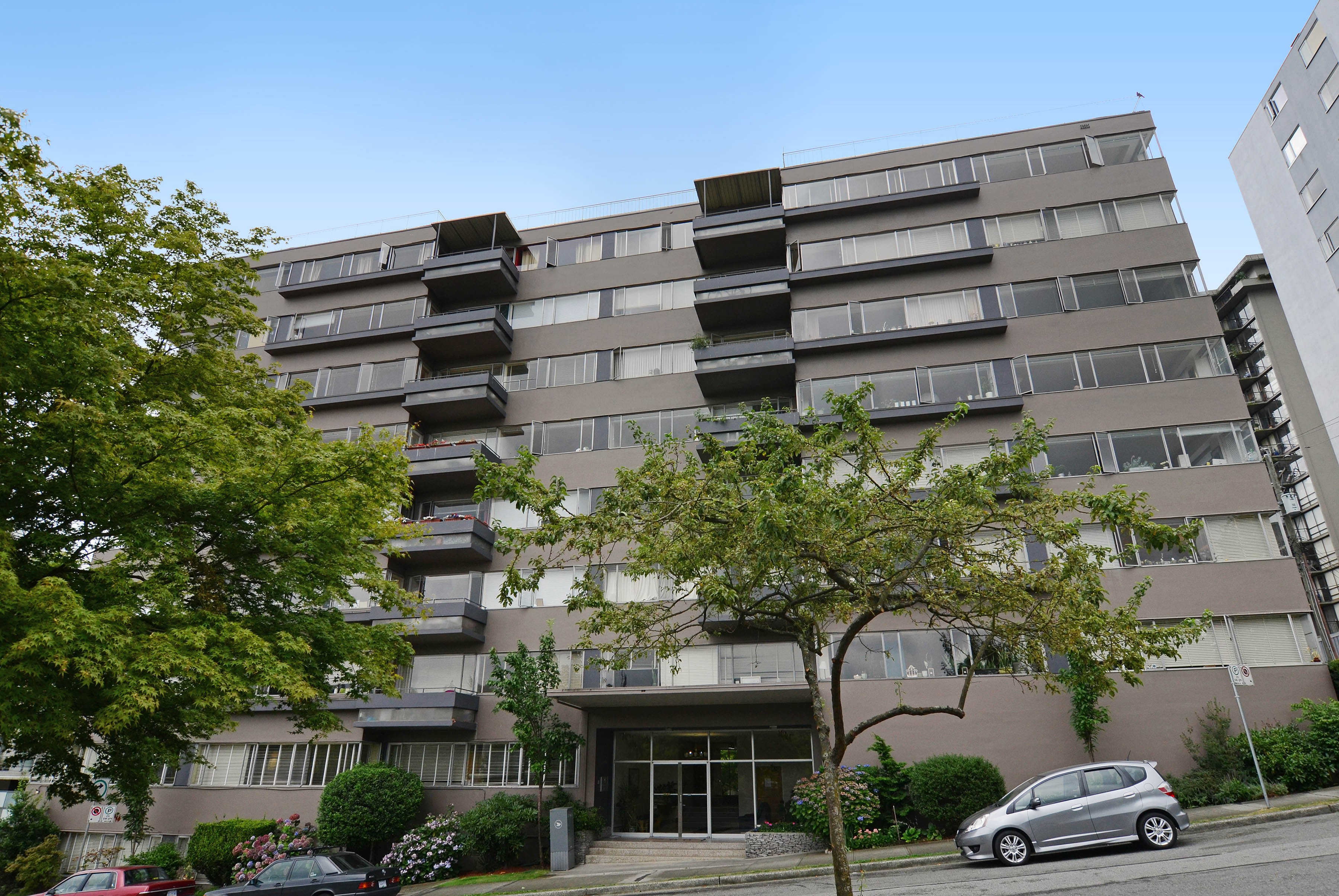 700 Chilco St Apartments for Rent in West End, Vancouver ...