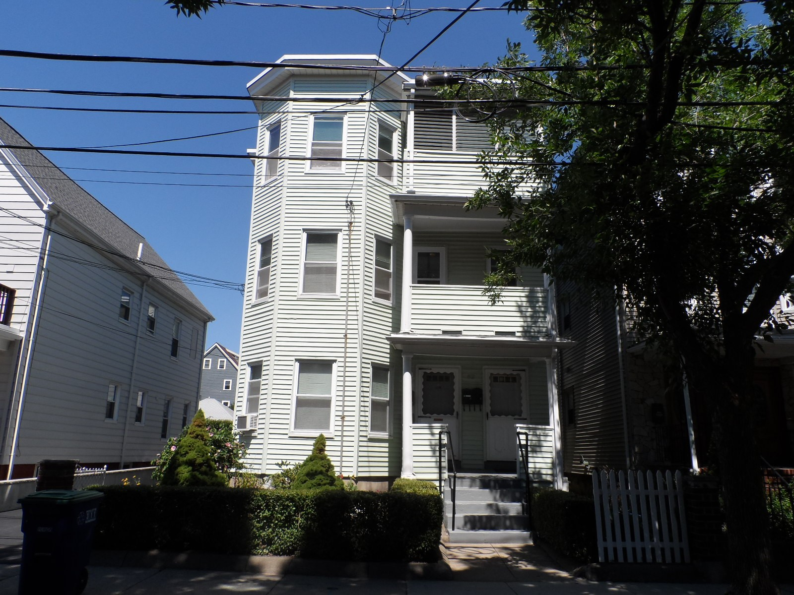 62 Grant Street 3 Somerville Ma 02145 2 Bedroom Apartment For Rent For 1 800 Month Zumper