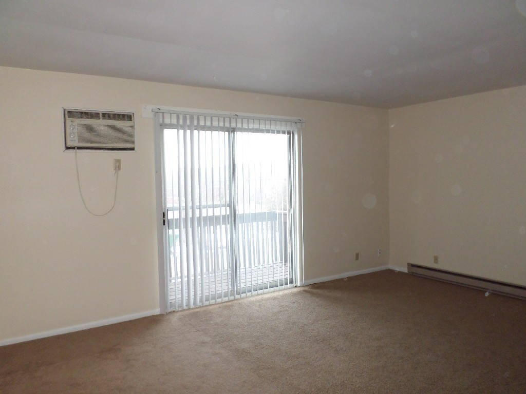201 Charleston Boulevard 4 Macomb Il 61455 2 Bedroom Apartment For Rent Padmapper