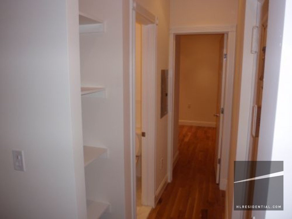 Briggs Ave 3e Bronx Ny 10458 2 Bedroom Apartment For Rent Padmapper