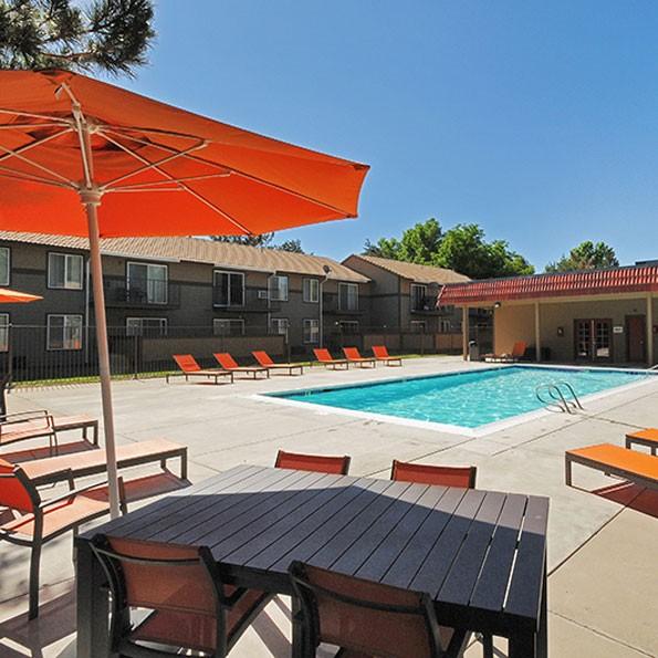 Meadow Woods Apartments: 6200 Meadowood Mall Cir, Reno, NV 89502