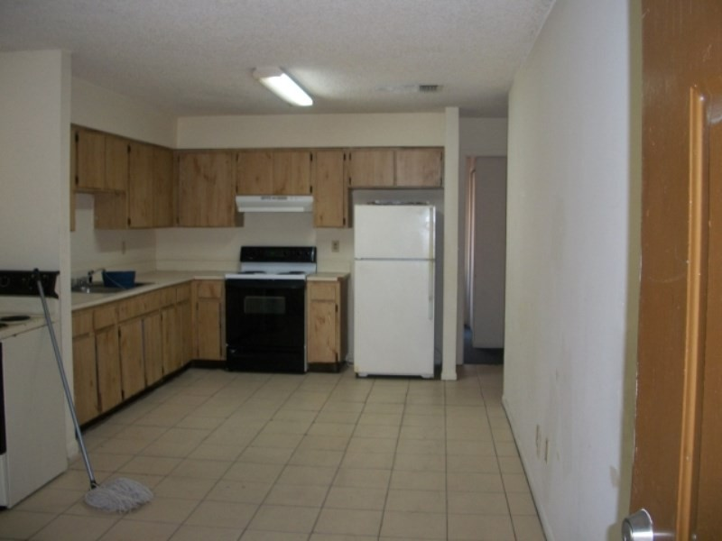 8611 N 9th St Tampa Fl 33604 2 Bedroom Apartment For