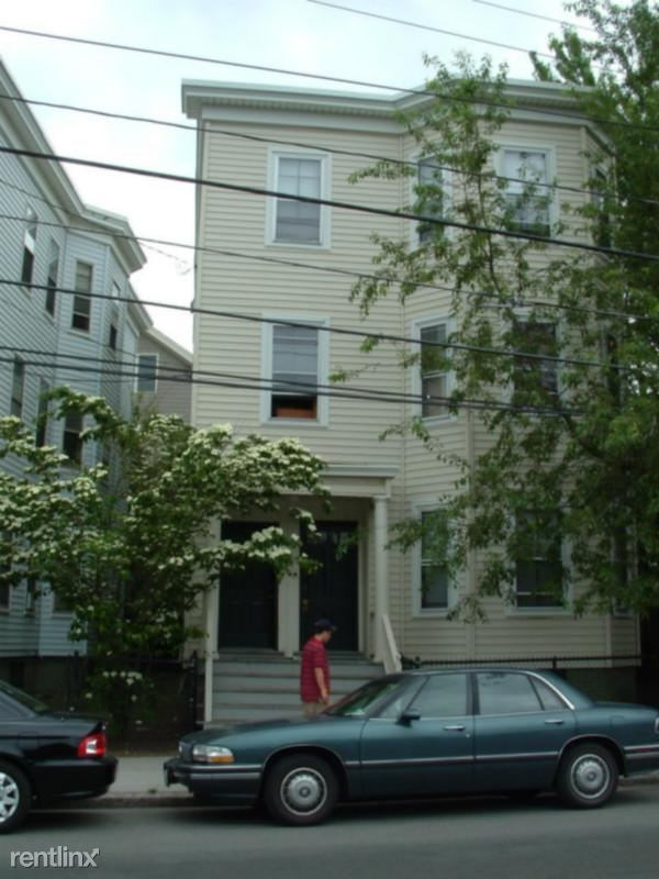 377 Washington St 2 Somerville Ma 02143 3 Bedroom Apartment For Rent For 3 300 Month Zumper
