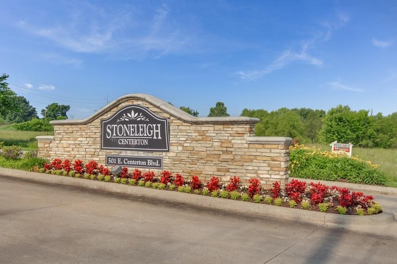 Stoneleigh Centerton Apartments