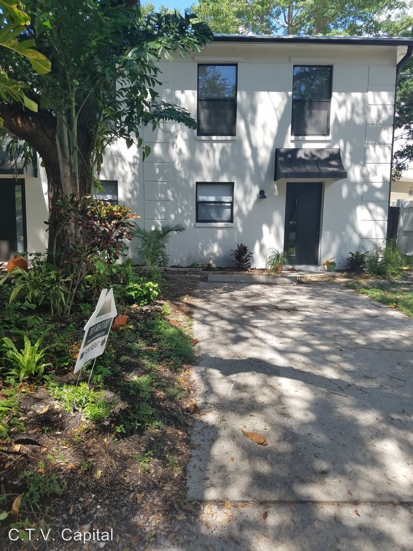 2417 W Stroud Ave Tampa Fl 33629 2 Bedroom Apartment For