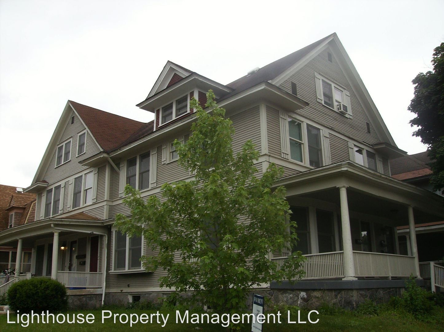 816 Wealthy St Se 4 Grand Rapids Mi 49506 1 Bedroom Apartment For Rent Padmapper