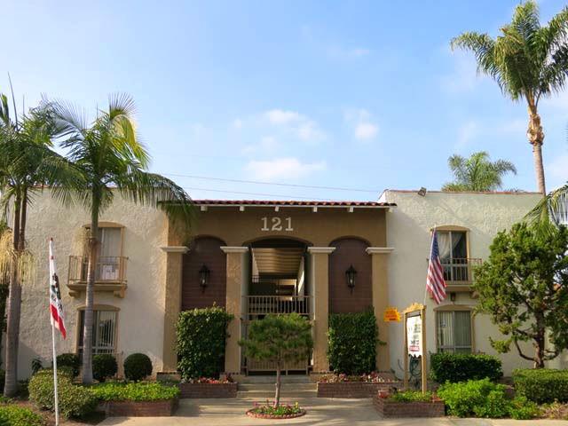 San Carlos Apartments