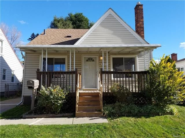 21052 syracuse ave warren mi 48091 3 bedroom house for rent for 825 month zumper