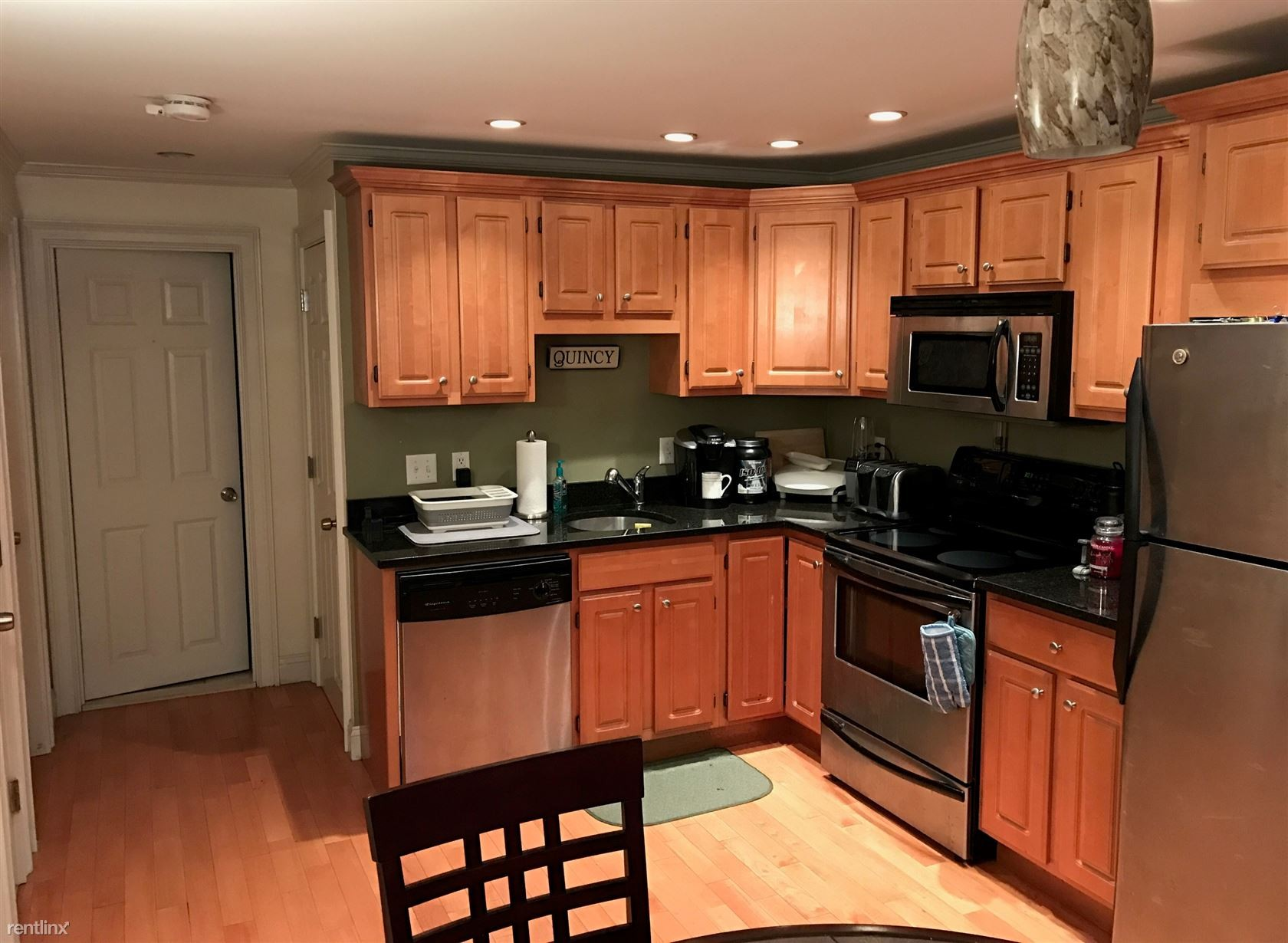 Grandview Ave 1 Quincy Ma 02170 2 Bedroom Apartment For Rent Padmapper