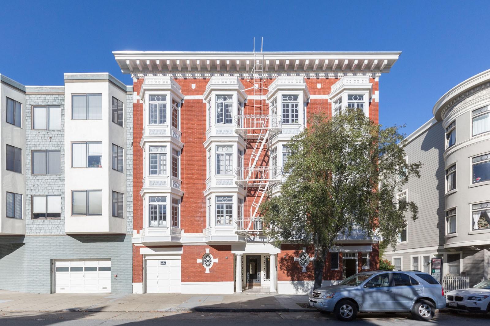 2730 SACRAMENTO Apartments