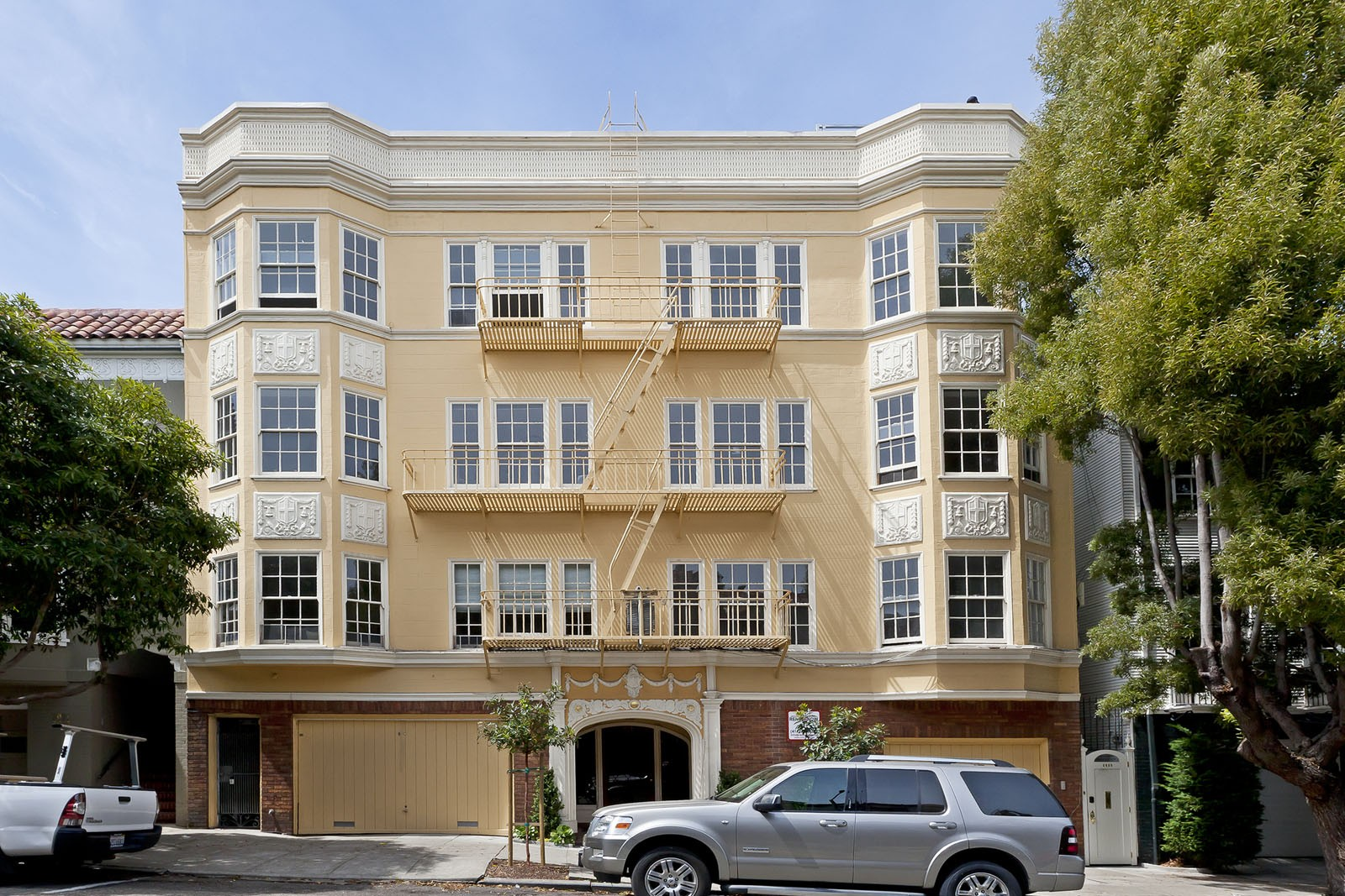3035 BAKER Apartments