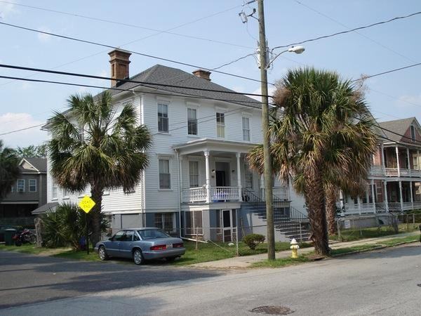 380 Race St Charleston Sc 29403 3 Bedroom Apartment For Rent Padmapper