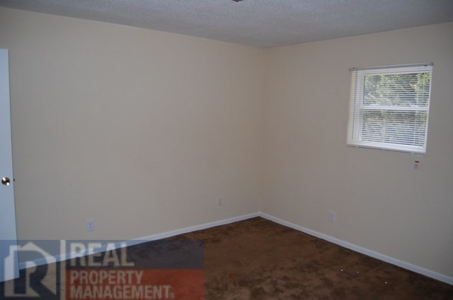 163534732567 Green Oaks Ct 2 Bedroom Apartment for Rent for  450 month  . 2 Bedroom Rentals In Ct. Home Design Ideas