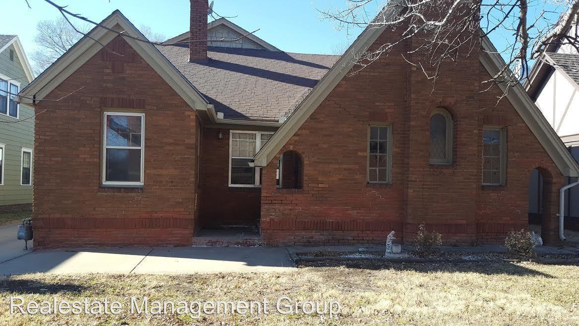 631 S Mission Rd Wichita Ks 67207 3 Bedroom Apartment For Rent Padmapper