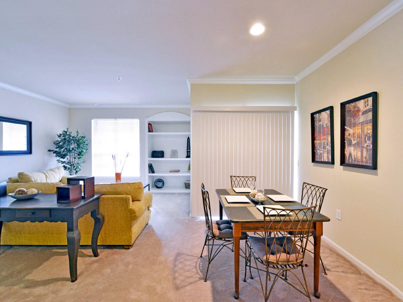 Mandolin Apartments, Houston - (see reviews, pics & AVAIL)