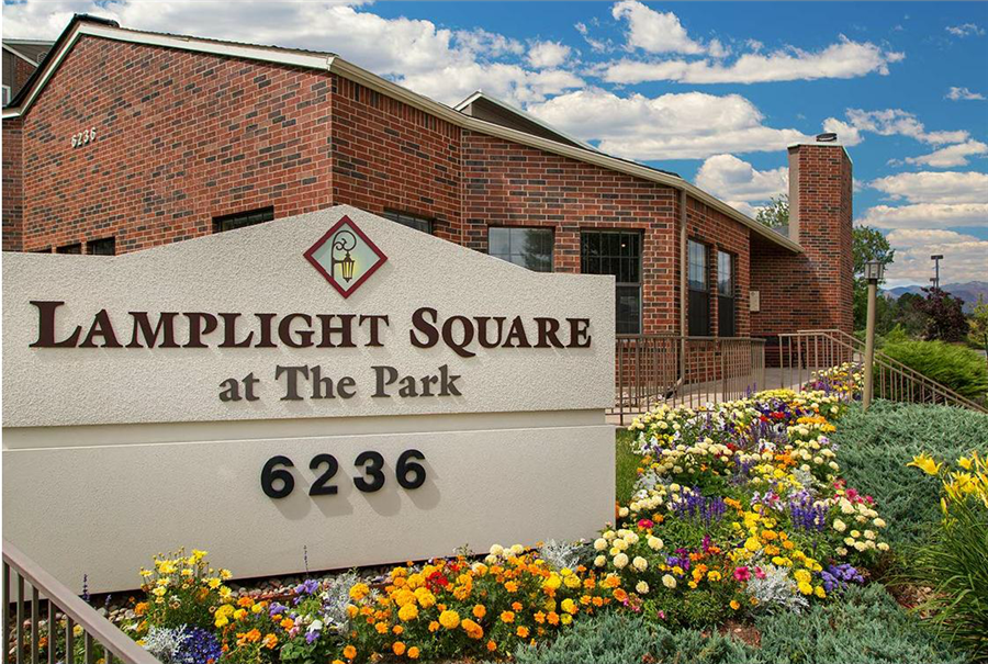 Lamplight Square at the Park Apartments