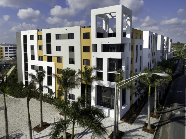 8800 Doral Luxury Apartments