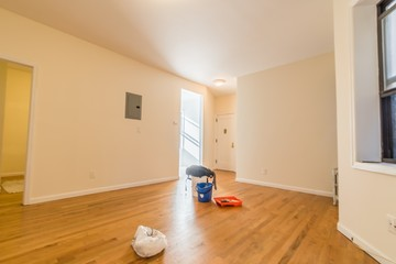 E St New York Ny Bedroom Apartment For Rent For