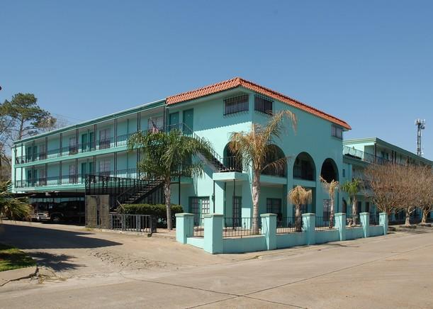 Nassau Bay Villa