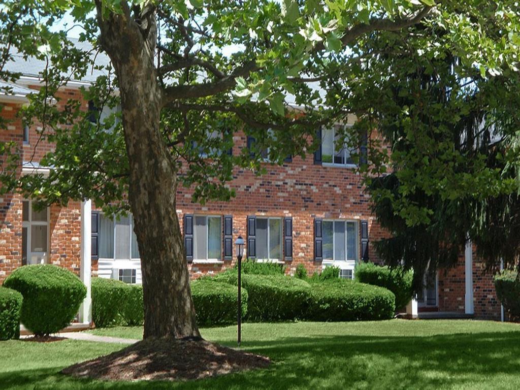 Knollwood Manor Apartments