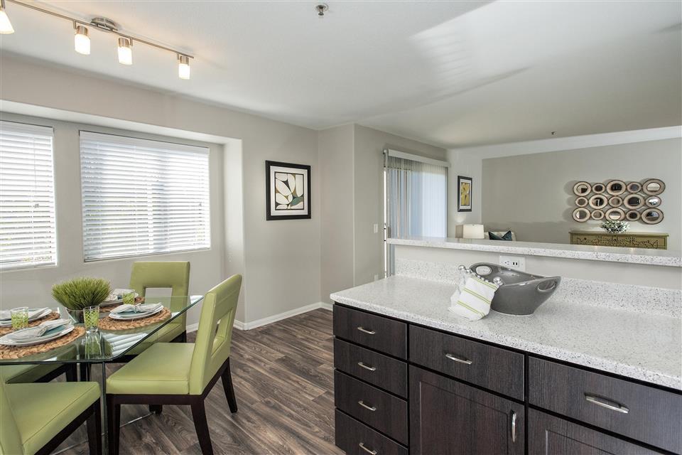 Bella Vista Apartments, Elk Grove - (see reviews, pics ...