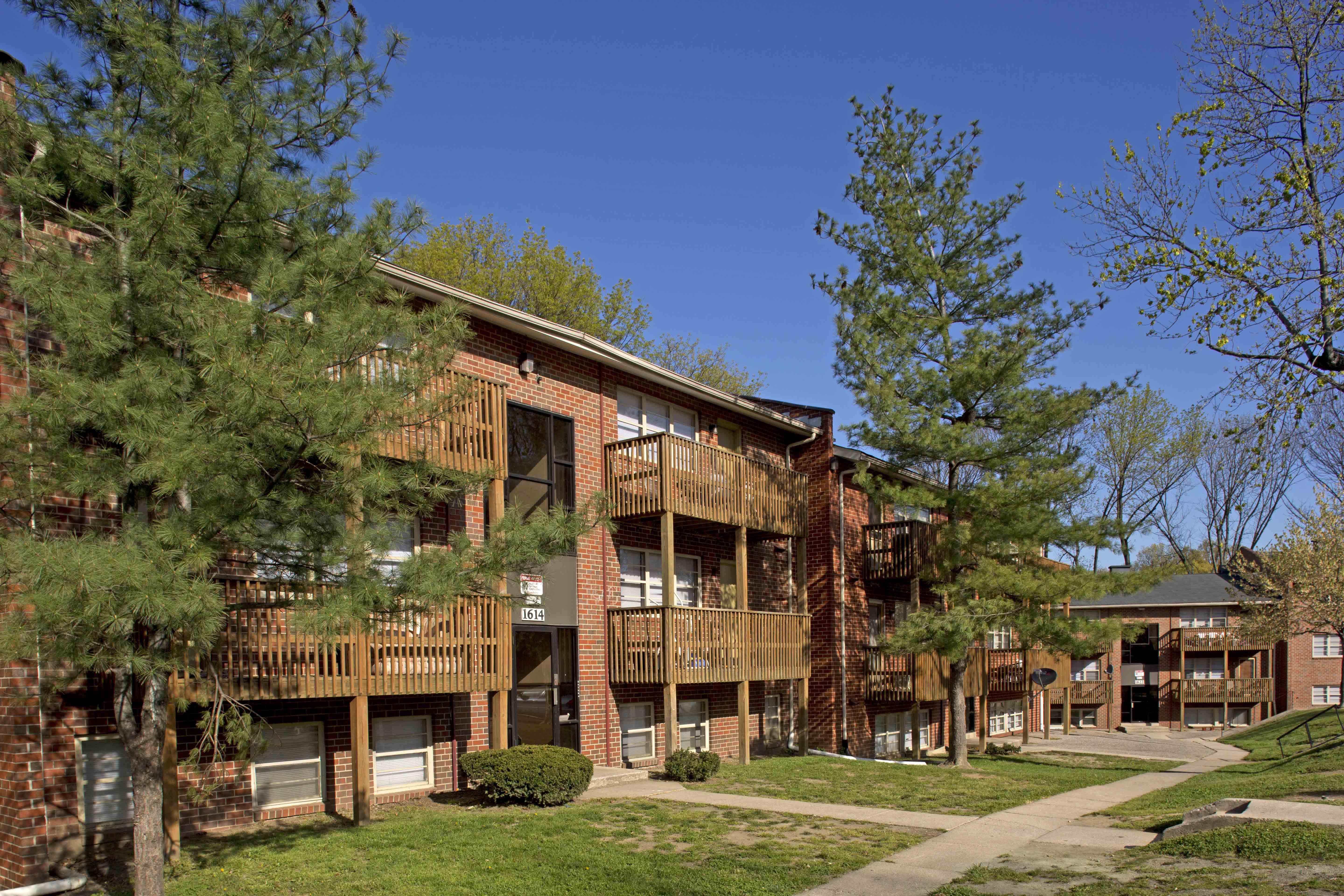 Gwynn Crest Apartments UMBC | College Student Apartments