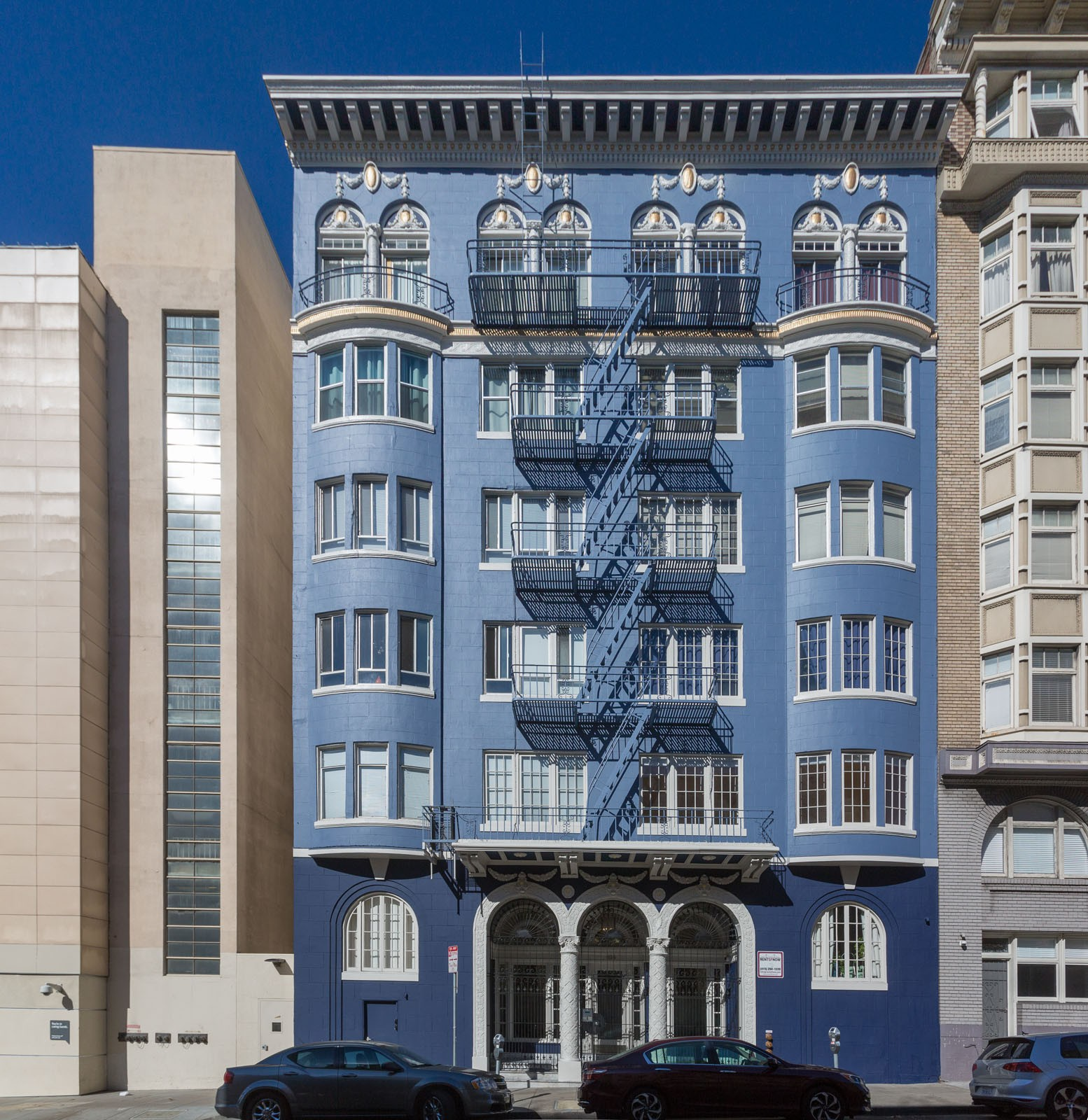 1126 BUSH Apartments