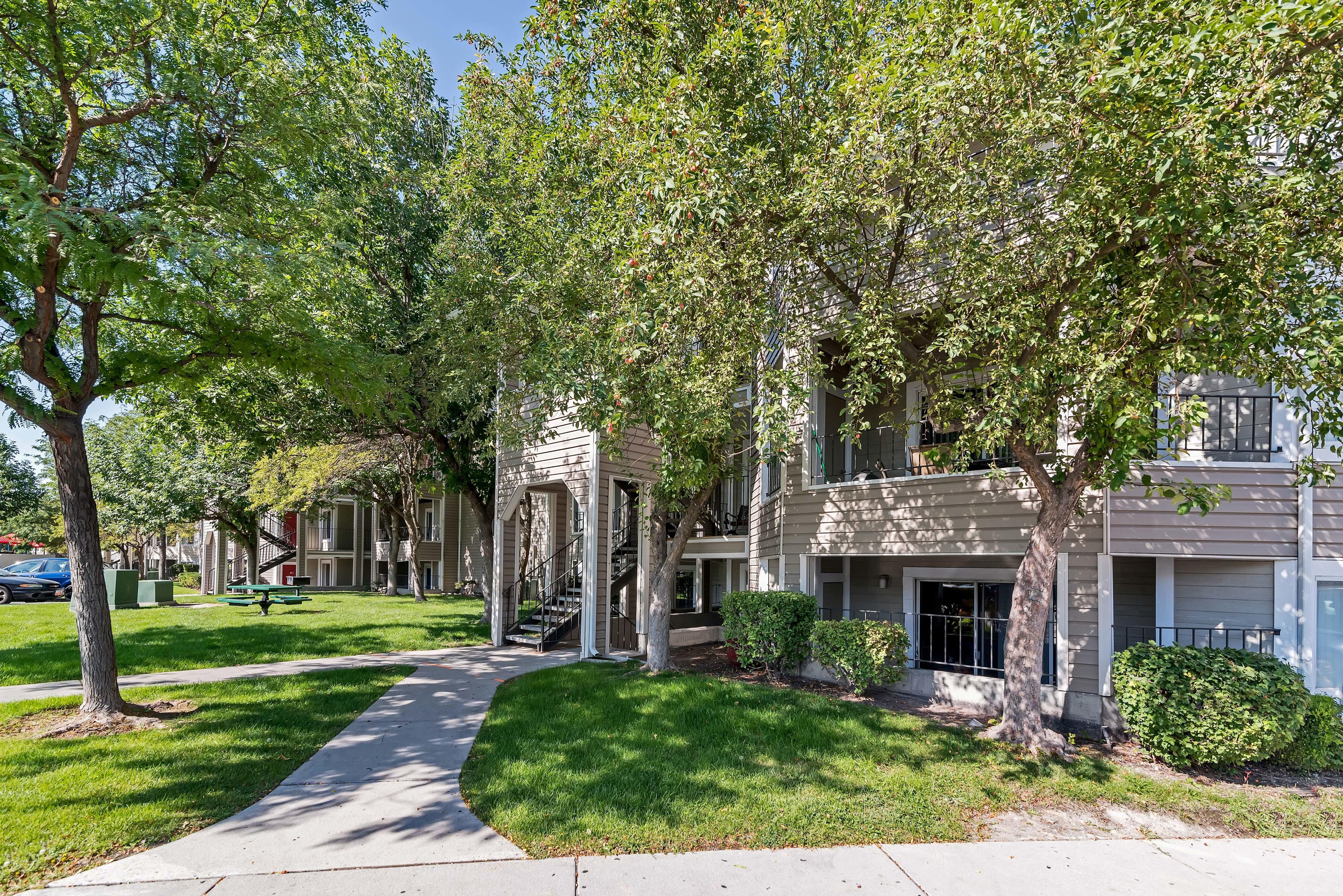 Seasons at Pebble Creek Apartment Homes
