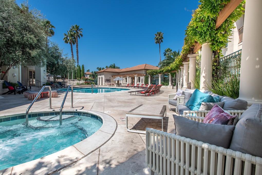 Palma Sorrento at Palm Valley