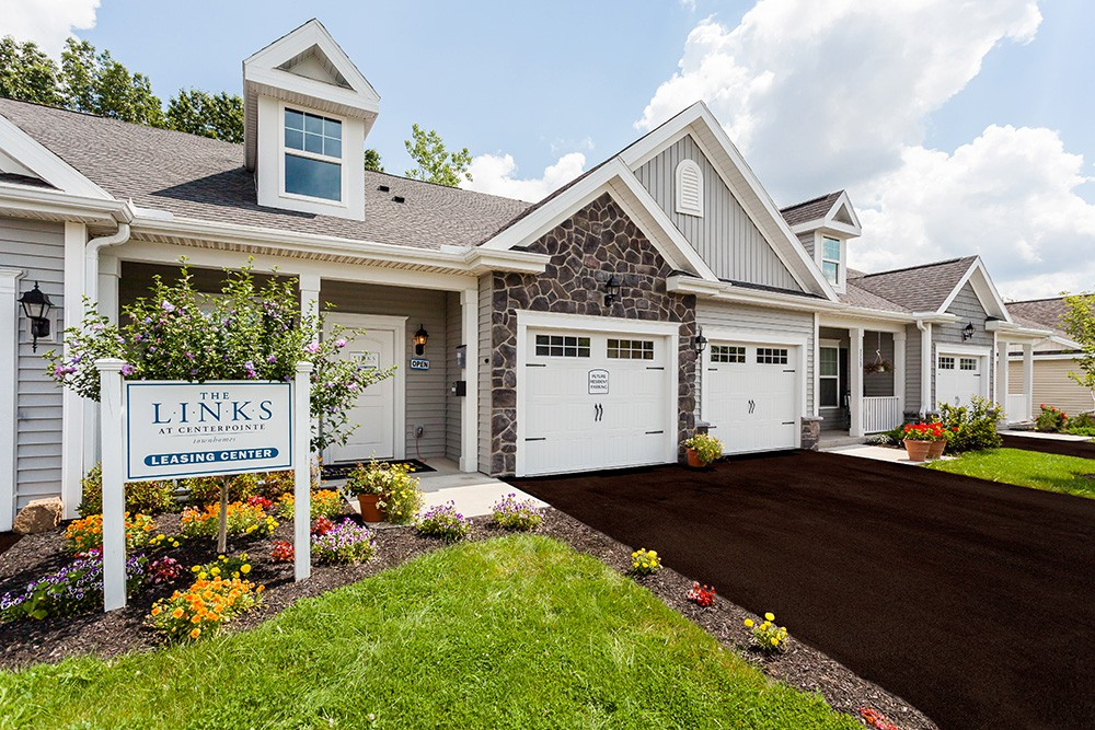 The Links at CenterPointe Townhomes Apartments