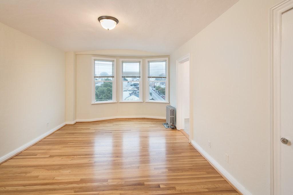 350 JUDAH Apartments