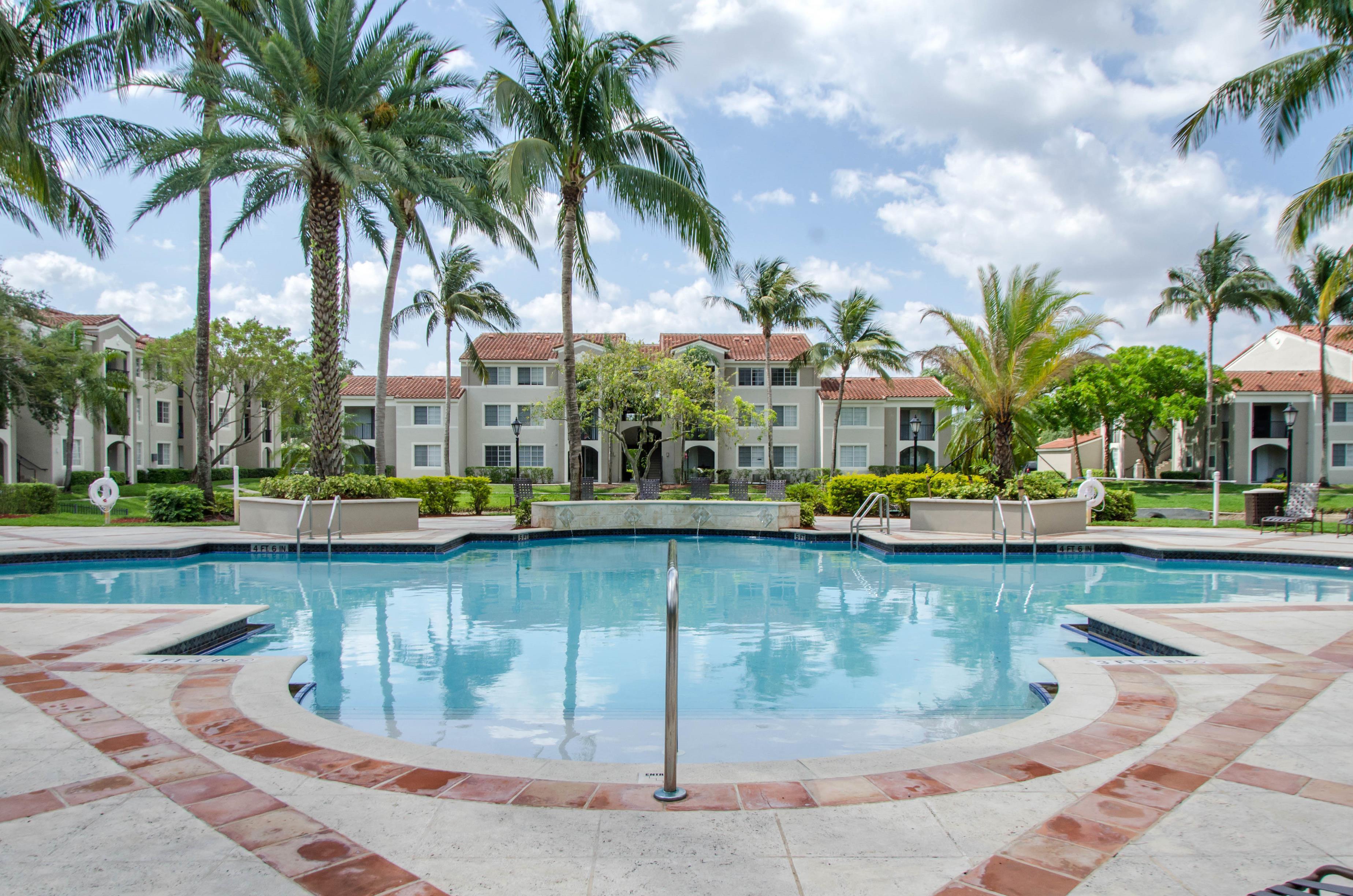 Miramar Lakes Apartments