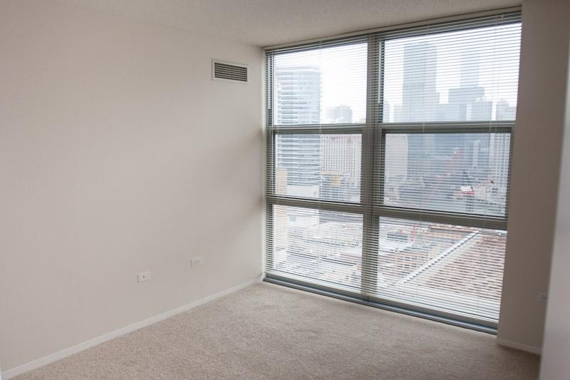 165 N Jefferson St 1462 Chicago Il 60661 1 Bedroom Apartment For Rent For 1 682 Month Zumper