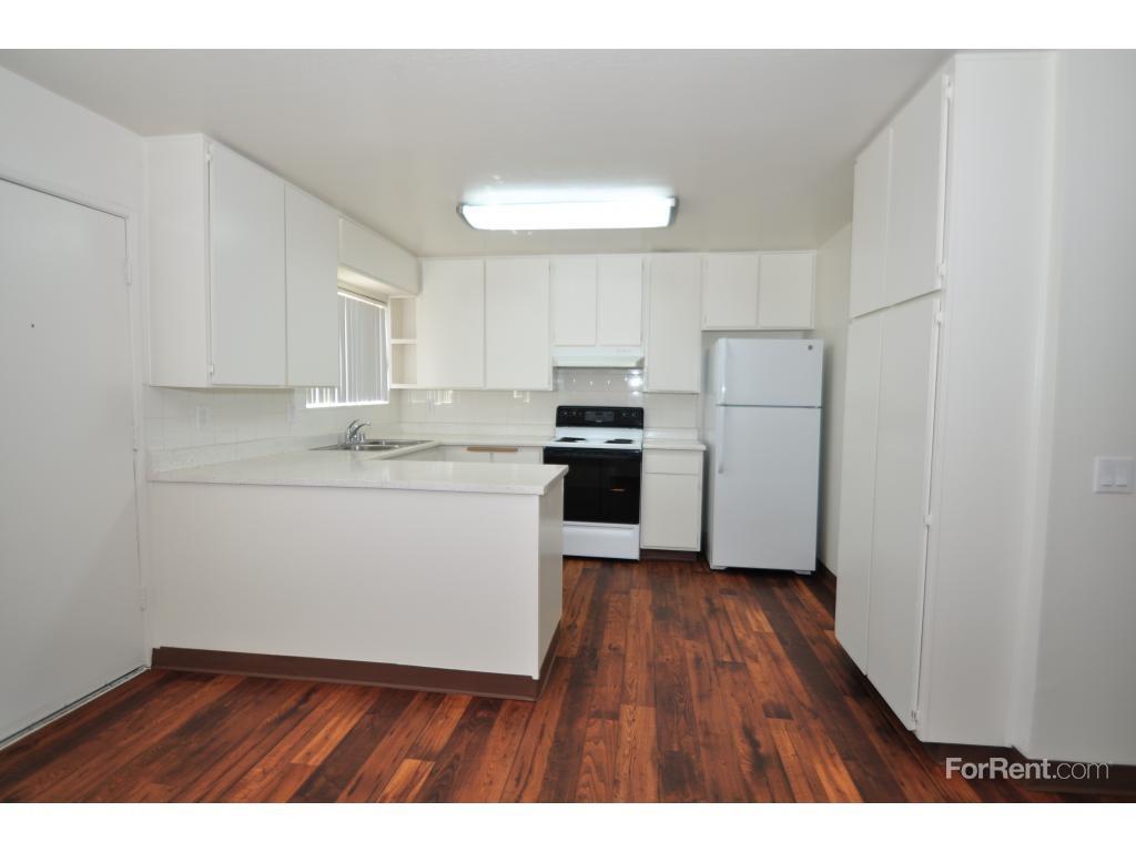 619 daisy st escondido ca 92027 3 bedroom apartment for rent padmapper Master bedroom for rent escondido
