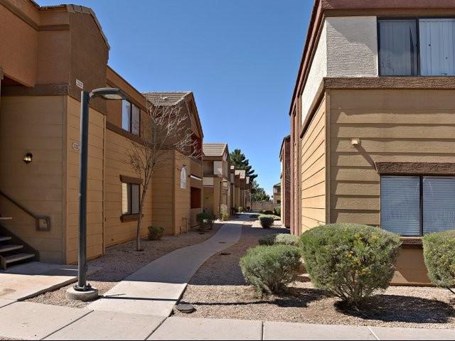 dr 1306 phoenix az 85033 3 bedroom apartment for rent padmapper