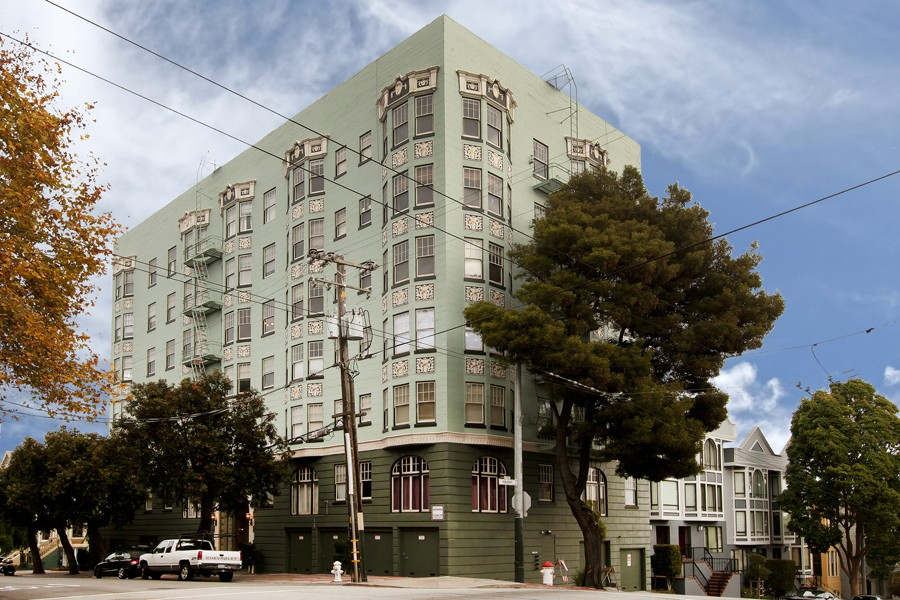 100 BRODERICK Apartments