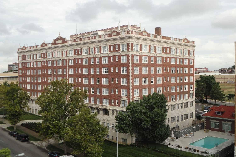 Holiday Apartments Kansas City Mo