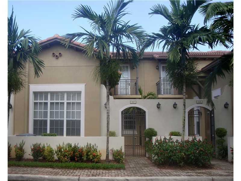 939 Sw 147th Terrace Pembroke Pines Fl 33027 3 Bedroom Apartment For Rent For 2 350 Month