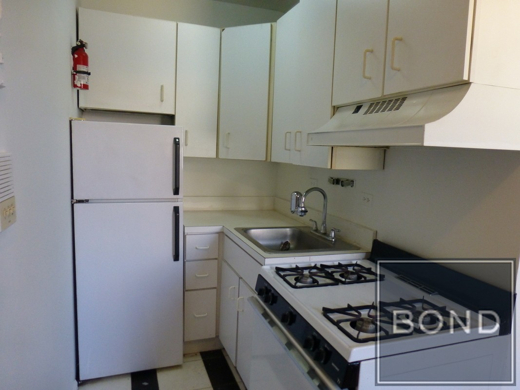 w 51st st 3a new york ny 10019 2 bedroom apartment for
