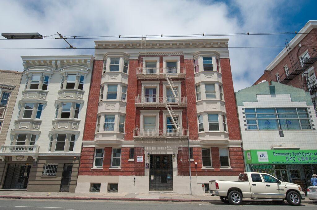 1050 POST Apartments