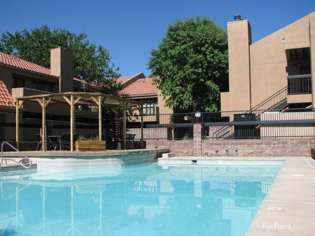 13226 Candelaria Rd Ne Albuquerque Nm 87112 2 Bedroom Apartment For Rent Padmapper