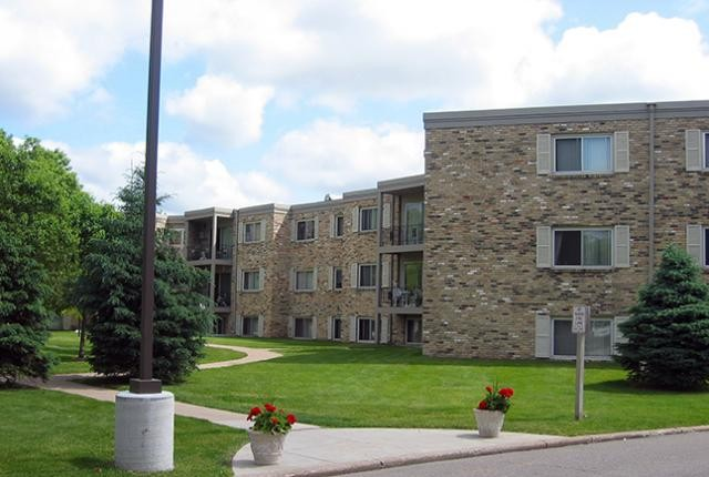 Richland Court Apartments
