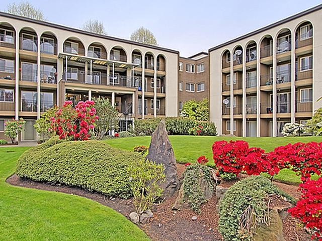 10500 Meridian Ave N Seattle Wa 98133 2 Bedroom Apartment For Rent For 1 685 Month Zumper