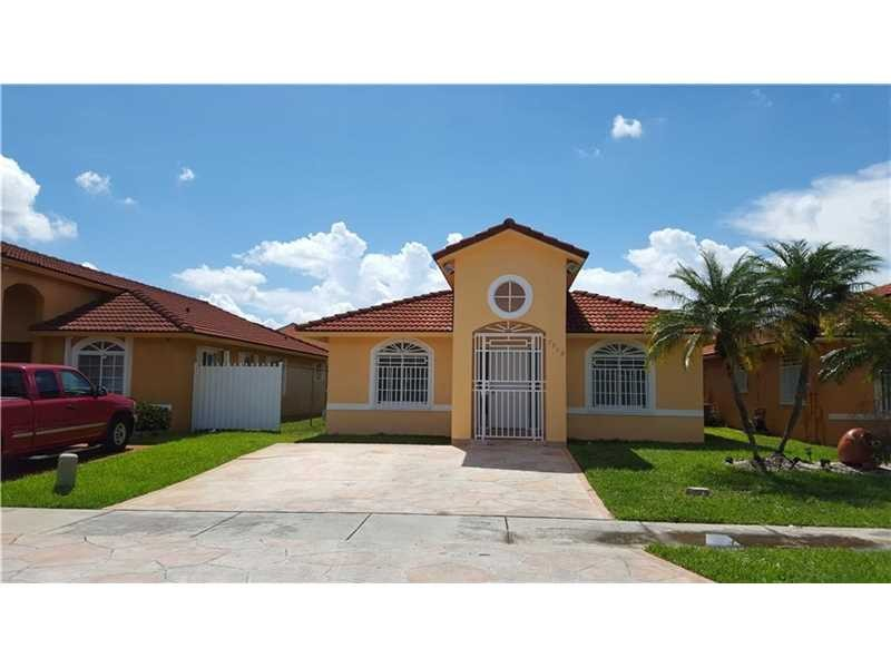 7512 W 34th Ct Hialeah Fl 33018 3 Bedroom Apartment For